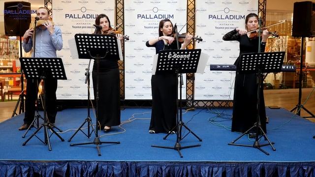 Moldovalı Aile müzik dinletisi